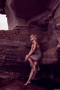 Lucinda-Taffs-Fashion-Gone-Rogue2.thumb.jpg.59bf9ec60d317b838a4e7e73a277ff1d.jpg