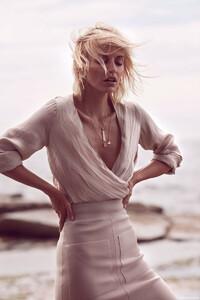 Lucinda-Taffs-Fashion-Gone-Rogue4.thumb.jpg.dab0d594e4f77c16a3664fb4b121a839.jpg