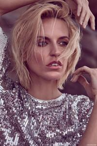 Lucinda-Taffs-Fashion-Gone-Rogue6.thumb.jpg.f74b7ef40b061a5504b9f6db0c76e5f1.jpg