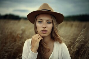 MaxPixel.freegreatpicture.com-Model-Person-Fashion-Portrait-Beautiful-Grass-1844724.thumb.jpg.13ee5cd090511d5d2215a1eec7f2ffc2.jpg
