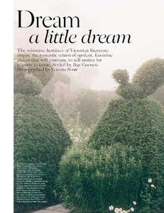 Scott_Vogue_UK_October_2013_01.thumb.png.0fcaf4d82c39c06e960b660a229bcfa8.png