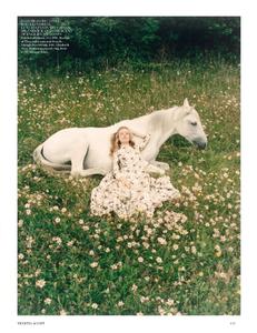 Scott_Vogue_UK_October_2013_04.thumb.png.062acd8c545a538466992baadea50e1f.png