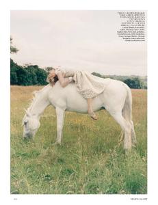 Scott_Vogue_UK_October_2013_07.thumb.png.9bf94e5c1c125c887431c813a65a63b6.png