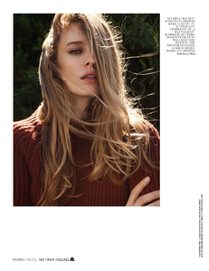 Yemchuk_Vogue_UK_October_2013_03.thumb.png.22dbb147ce277ca207f77abff4202969.png