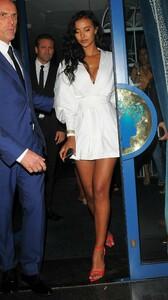 maya-jama-celebrating-her-24th-birthday-in-mayfair-0.thumb.jpg.022fdd67ef3b02ba7361a94846e2184e.jpg