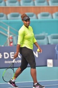 serena-williams-practises-during-the-miami-open-tennis-tournament-03-20-2019-3.jpg