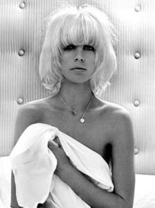 vogue-australia-nicolas-jurnjack-hairstyles-blond-haircut-fashion-models.jpg