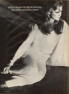 1582957281_Boman__Giaviano_Vogue_US_February_1981_08.thumb.jpg.de8f0fce3b493fb5dfb10f430829f309.jpg