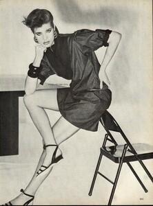 Giaviano_Vogue_US_March_1982_10.thumb.jpg.314682eeb0aa3b3cf8750d3ffdc99744.jpg