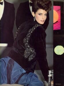 Giaviano_Vogue_US_November_1982_05.thumb.jpg.778e1cd73adb1387211573d18fe8c0ce.jpg