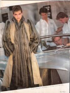 Giaviano_Vogue_US_October_1982_03.thumb.jpg.ea4522452eca2020114669c160a23924.jpg