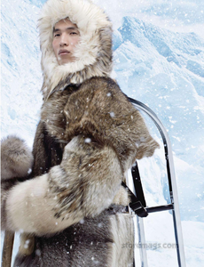 Meisel_Moncler_Gamme_Rouge_Fall_Winter_13_14_03.thumb.png.9abe9706e31c155c1418361a447183a3.png