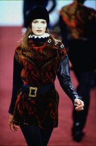 fashion-photography-archive-image-work-image----batch1----fullSize----103889_103889-25_0002_fs.jpg.thumb.jpg.2967f89306192d2acbdc72f0c7773f42.jpg