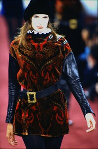 fashion-photography-archive-image-work-image----batch1----fullSize----103889_103889-25_0003_fs.jpg.thumb.jpg.de7ba5a10d4a7c71bfec0c2f2f0fdbda.jpg