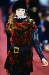 fashion-photography-archive-image-work-image----batch1----fullSize----103889_103889-25_0004_fs.jpg.thumb.jpg.afe11e29b2ce1c4a6f5b69034a4115e8.jpg