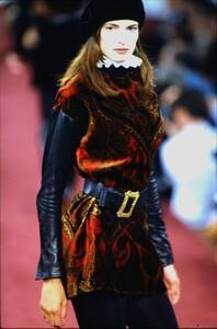 fashion-photography-archive-image-work-image----batch1----fullSize----103889_103889-25_0006_fs.jpg.thumb.jpg.96ab6773d00c4b7973560d269323fe18.jpg