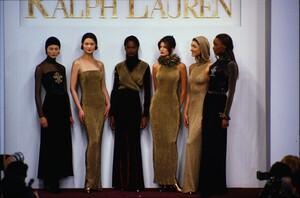 fashion-photography-archive-image-work-image----batch1----fullSize----103889_103889-25_0169_fs.jpg.thumb.jpg.6e4dc7962bbd392a3aee6a716dc19740.jpg