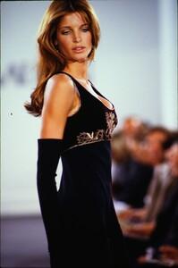 fashion-photography-archive-image-work-image----batch1----fullSize----103889_103889-28_0095_fs.jpg.thumb.jpg.3a4fdf22473493dbc2d90846489a6c78.jpg