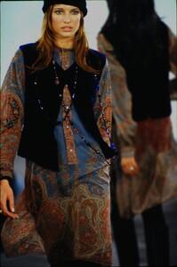 fashion-photography-archive-image-work-image----batch1----fullSize----103889_103889-28_0155_fs.jpg.thumb.jpg.1ebda586c7f6d8ba2747422c17e7c968.jpg