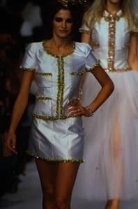 fashion-photography-archive-image-work-image----batch12----fullSize----103670_103670-14_0040_fs.jpg.thumb.jpg.70ca1e8ff6e7c8ac9219572b30e6876f.jpg