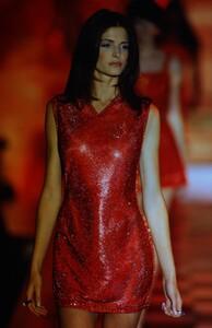 fashion-photography-archive-image-work-image----batch12----fullSize----103679_103679-2_0010_fs.jpg.thumb.jpg.3201789c60eb8c5ea9b0f5d32f823ac0.jpg