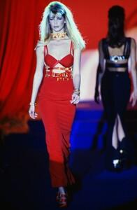 fashion-photography-archive-image-work-image----batch13----fullSize----103692_103692-3_0059_fs.jpg.thumb.jpg.0a48c7fc79e399731601eac0688caec1.jpg