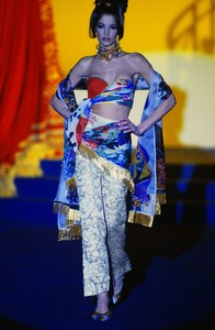 fashion-photography-archive-image-work-image----batch13----fullSize----103692_103692-3_0122_fs.jpg.thumb.jpg.9a7f2064e0131c73c35715064df9d577.jpg