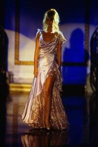 fashion-photography-archive-image-work-image----batch13----fullSize----103692_103692-5_0092_fs.jpg.thumb.jpg.7a9a74343c3484c57c5da10d48915164.jpg