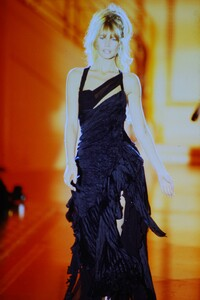 fashion-photography-archive-image-work-image----batch13----fullSize----103692_103692-5_0121_fs.jpg.thumb.jpg.4216d36b817b51fcb148ae37d2c16cbd.jpg