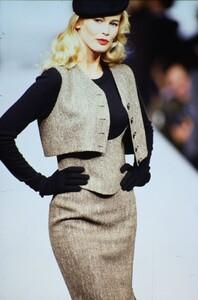 fashion-photography-archive-image-work-image----batch5----fullSize----103892_103892-7_0010_fs.jpg.thumb.jpg.1b1b992c7ed1f8be7e9fd87423123946.jpg