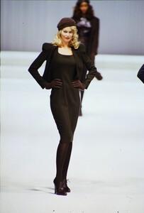 fashion-photography-archive-image-work-image----batch5----fullSize----103892_103892-8_0101_fs.jpg.thumb.jpg.0132bdf4dbf78150899b6fb05a47ec68.jpg