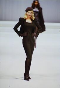 fashion-photography-archive-image-work-image----batch5----fullSize----103892_103892-8_0102_fs.jpg.thumb.jpg.f91e8f0262007ffb2f57ab595d0a510c.jpg