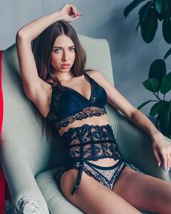 lingerie_jar_55783959_129620988180570_7476210285356887489_n.jpg