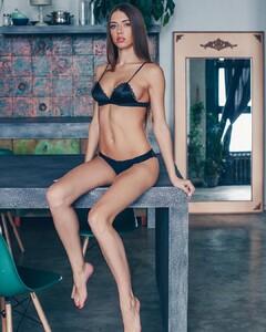 lingerie_khv_55764830_164922284437429_2307742959846712527_n.jpg