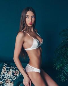 lingerie_vladivostok_54429357_1328775763943094_4064312067127610061_n.jpg