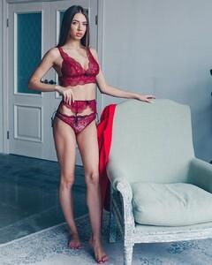 lingerie_vladivostok_54800657_271734677065775_7488243130922745861_n.jpg