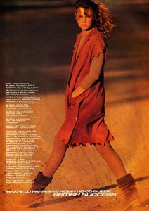 uk_vogue_sept_1980_13.thumb.jpg.0a8bd9c23e73d27a83d8869e9fbbedd2.jpg