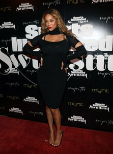 [1143149548] SI Swimsuit On Location Closing Party.jpg