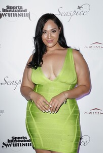 [1142714821] Sports Illustrated Swimsuit Celebrates 2019 Issue Launch At SeaSpice.jpg