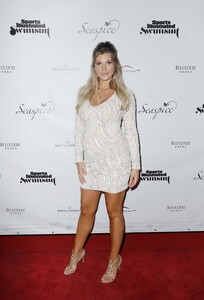 [1142714518] Sports Illustrated Swimsuit Celebrates 2019 Issue Launch At SeaSpice.jpg