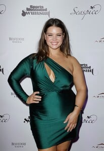 [1142932967] Sports Illustrated Swimsuit Celebrates 2019 Issue Launch At SeaSpice.jpg
