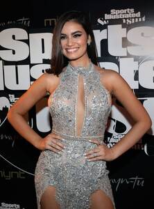 [1143151437] SI Swimsuit On Location Closing Party.jpg