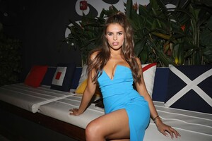 [1142714709] Sports Illustrated Swimsuit Celebrates 2019 Issue Launch At SeaSpice.jpg