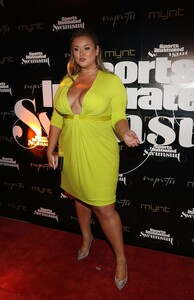 [1143149608] SI Swimsuit On Location Closing Party.jpg
