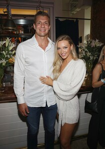 [1142714903] Sports Illustrated Swimsuit Celebrates 2019 Issue Launch At SeaSpice.jpg