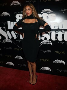 [1143149547] SI Swimsuit On Location Closing Party.jpg