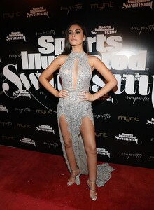 [1143151434] SI Swimsuit On Location Closing Party.jpg