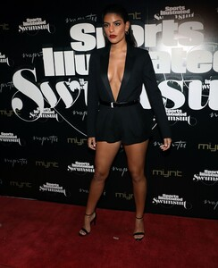 [1143149534] SI Swimsuit On Location Closing Party.jpg