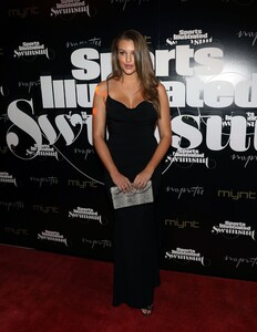 [1143149602] SI Swimsuit On Location Closing Party.jpg
