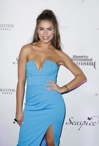 [1142714823] Sports Illustrated Swimsuit Celebrates 2019 Issue Launch At SeaSpice.jpg